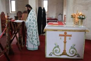 Служба у манастиру